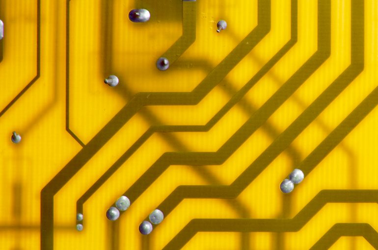 green-computer-circuit-PQ5M2BJ