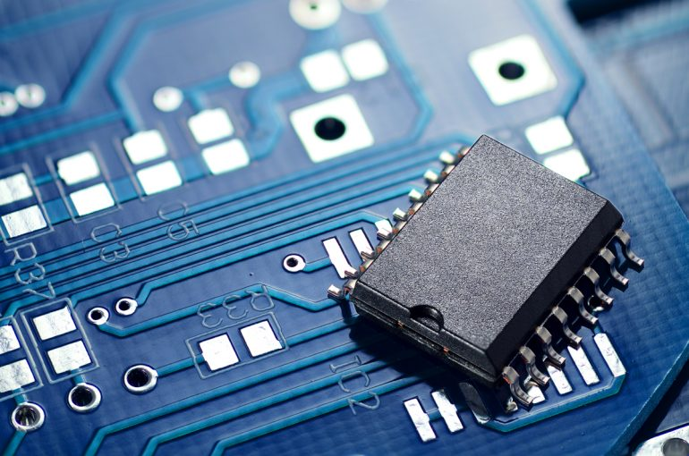printed-circuit-board-and-chip-8PCM3JZ